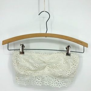 AERIE STRAPLESS BRALETTE white lace rouched
